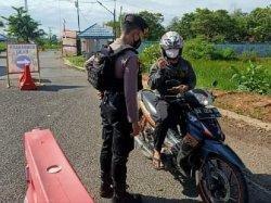 Nekat Mudik, Sehari Puluhan kendaraan Bermotor dari Kalimantan Selatan Gagal Masuk Kalimantan Tengah