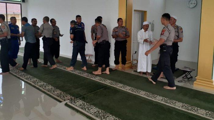 Personel Polres Kapuas Ikuti Binrohtal Rutin, Dilaksanakan Masjid Al-Kautsar