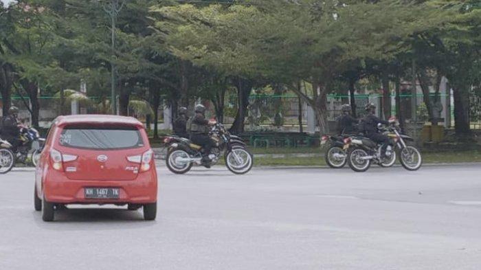 Pengamanan Kantor Penyenggara Pilkada di Palangkaraya Semakin Diperketat Polisi