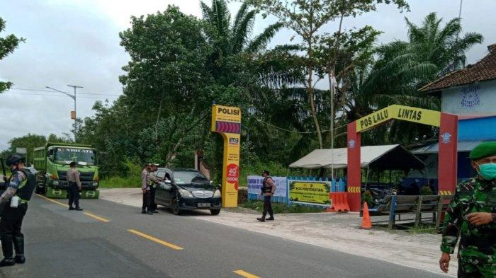 Petugas Awasi Ketaatan Protokol Kesehatan Pengendara di Jalan Tjilik Riwut Palangkaraya-Kasongan