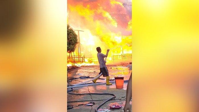 Api Mengamuk 2 Jam di Desa Sungai Hanyo Kabupaten Kapuas