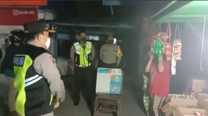 Berjualan saat Jam Malam, Pedagang di Palangkaraya Ini Diminta Tutup