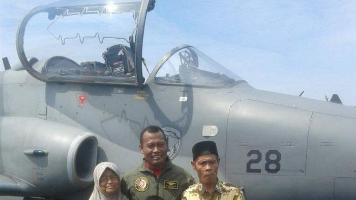 Pilot Pesawat Tempur Hawks 200 Ini Ternyata Anak dari Desa Gunung Melati Tanahlaut