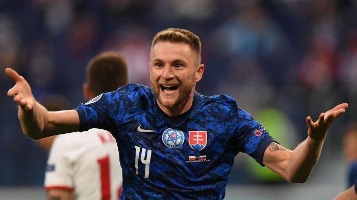 Skriniar, pemain Slovakia usai mencetak gol di gawang Polandia, dalam laga Grup E EURO 2020, Senin (15/6/2020) dini hari