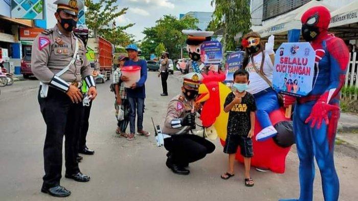 Wabah Corona Kalsel, Spiderman Sosialisasikan Cegah Penularan Corona di Sampit