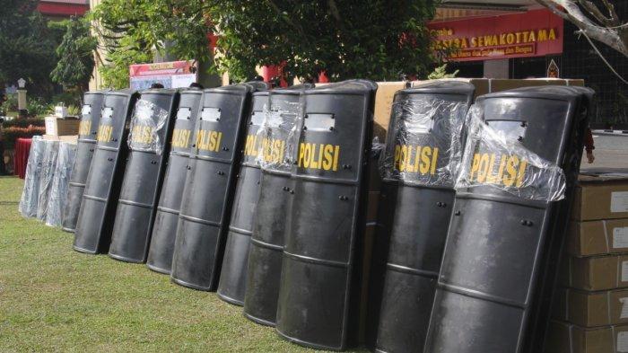 Tiga Pleton Personil Pasukan Anti Anarki Gelar Sispamkota Jelang Pilkada Kalteng