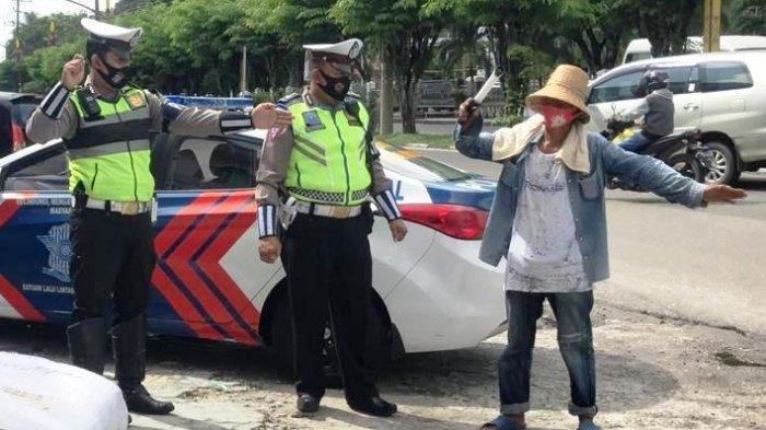 Polantas Polresta Palangkaraya Latih Juru Parkir Mengatur Lalulintas