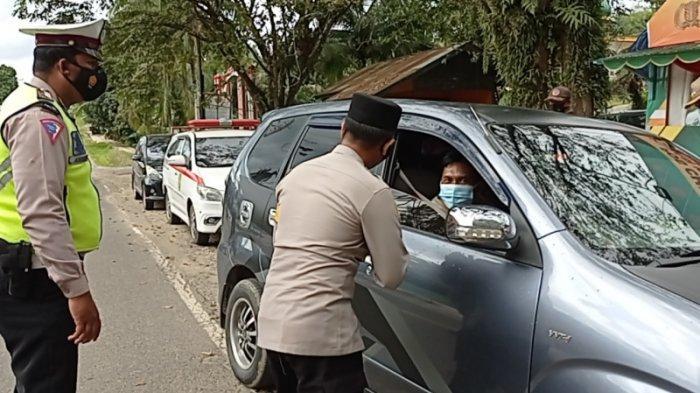 Ratusan Pengemudi Kendaraan Diminta Putar Balik di Pos Cek Poin Batas Kalsel-Kaltim