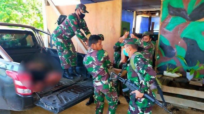Proses evakuasi 4 prajurit TNI tewas akibat serangan KKB Papus ke Posramil Kisor