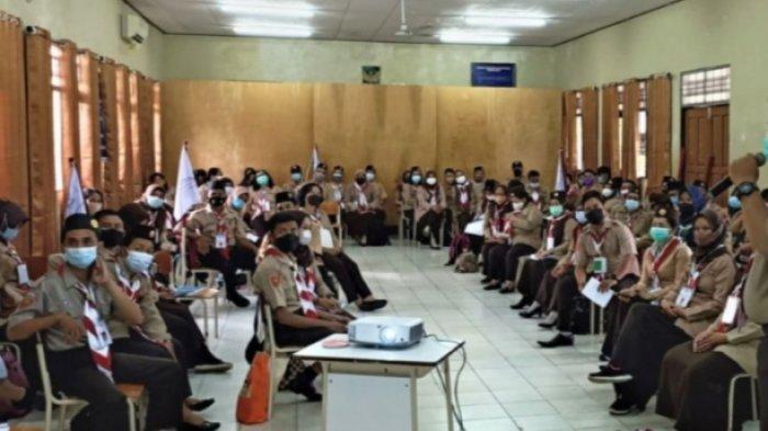 Anggota Pramuka Kapuas Diberikan Kursus Mahir Dasar Pramuka di Kecamatan Selat