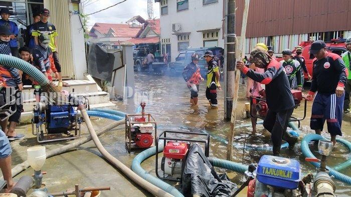 Puluhan Unit BPK Dikerahkan Sedot Air Banjir di Handil Bakti Batola Kalsel