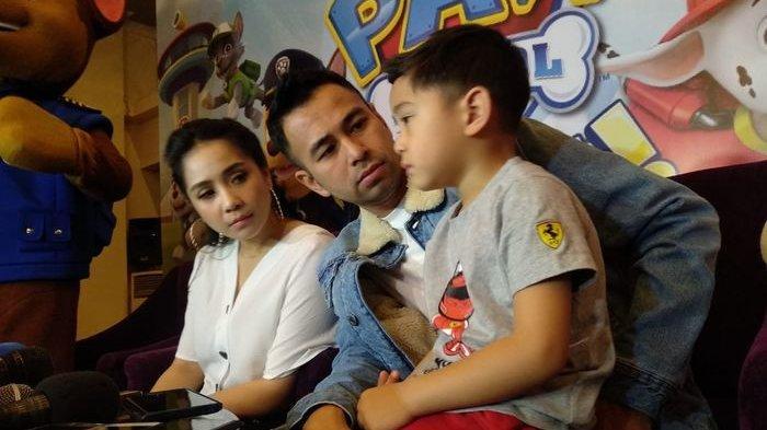 Raffi Ahmad Sindir Kelakuan Nagita Setelah Izinkan Rafathar Borong Mainan