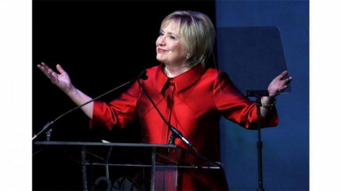 Gaya Rambut Baru, Hillary Clinton Tampak Lebih Segar dan Muda