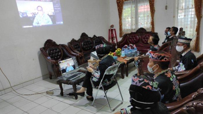 Bahas Penuntasan KTP Elektronik, Disdukcapil Kapuas Ikuti Rapat Virtual dengan Dirjen Dukcapil