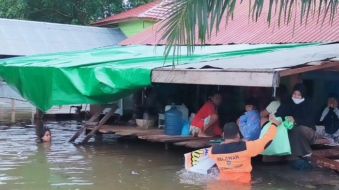 Banjir di Lamandau Kini Rendam Nanga Bulik, Ketinggian Air Sampai Plafon