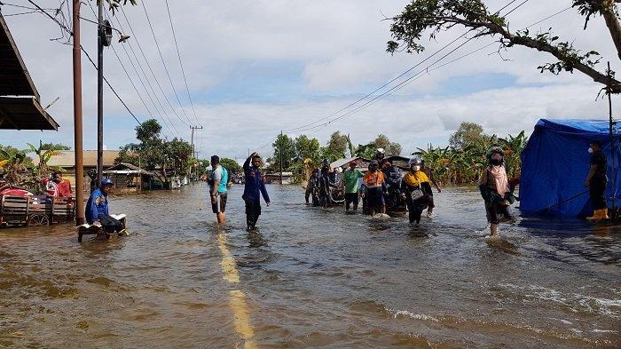 Jalan Nasional di Gunungraja-Benuaraya Kalsel Terendam, Lalu Lintas Dialihkan ke Jalur Alternatif