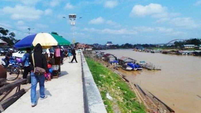 Rumah Lanting Sungai Kahayan Palangkaraya, Penghuninya Para Petani Karamba