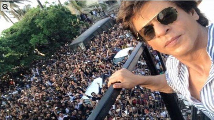 Berpenghasilan Rp 8 Triliun, Shah Rukh Khan Ngaku Tidak Pernah Bayar saat Makan Malam Bareng Teman