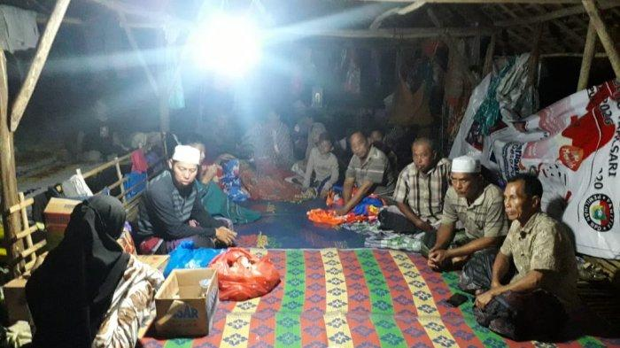 Puluhan Korban Banjir Kurau Tala Kalsel Terpaksa Ngungsi di Kandang Ayam Pulausari