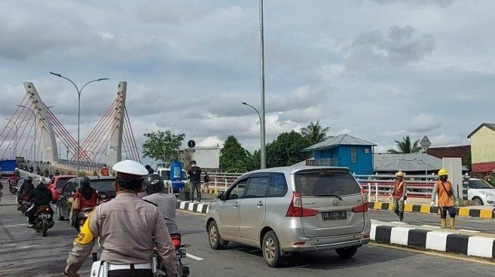 Kendaraan Berat Belum Boleh Lewati Jembatan Alalak, Ini Kata Distributor Pupuk ke Kalteng