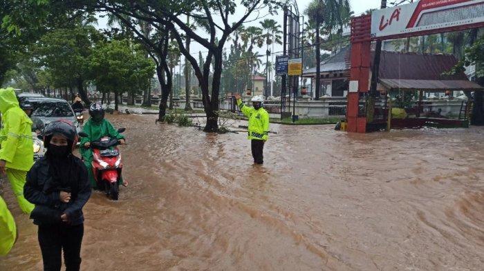 Banjir, Hati-hati Lewat Jalan Brigjen Hasan Basri Kota Banjarmasin Kalsel