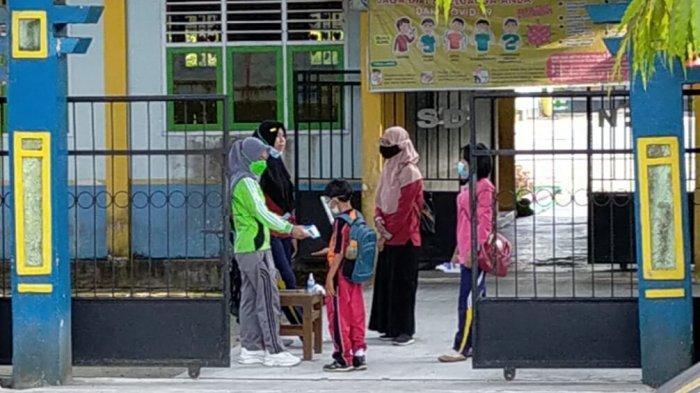 Sekolah di Sampit Kabupaten Kotawaringin Timur, Kalimantan Tengah sudah kembali aktivitas belajar tatap muka.