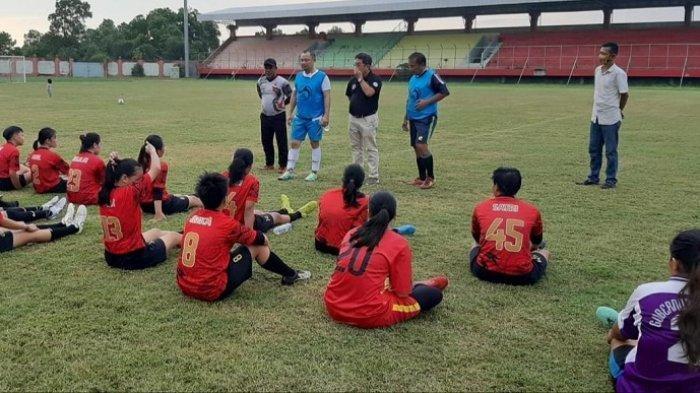 Tim Sepak Bola Putri Tiga Provinsi Mundur, Kalteng Hanya Lawan Kaltara, Peluang Raih Medali