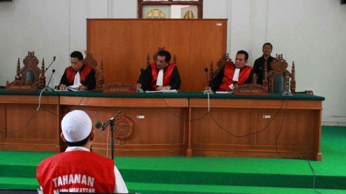 Jaksa Tuntut Bos Abu Tours 20 Tahun Penjara dan Denda Rp100 Juta