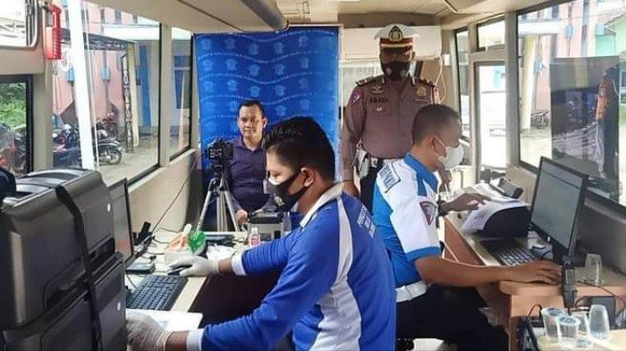 Pelayanan SIM Mobil Keliling di Barito Timur Disambut Antusias Warga Ampah Kalteng