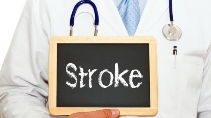 Cegah Penyakit Stroke, Konsumsi Pisang dan 3 Hal Ini