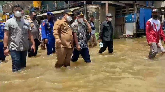 News Video Gubernur Sugianto Sabran ke Kawasan Banjir Katingan-Kotim, Minta Bantuan Tidak Dikorupsi