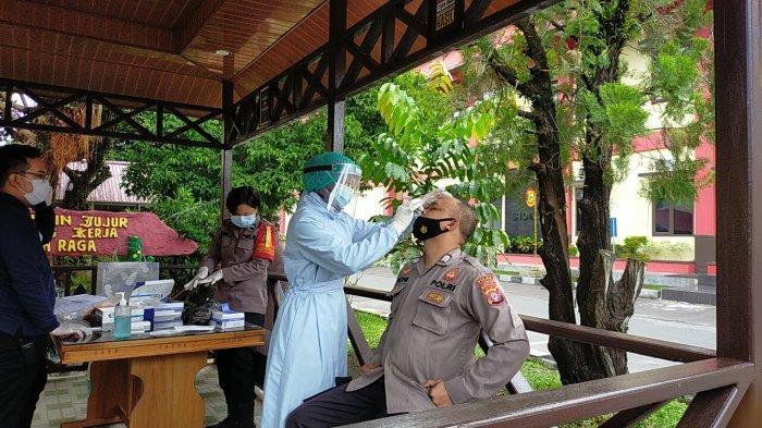 Polda Kalteng Rutin Screening Rapid Test Swab Antigen bagi Personel Cegah Penyebaran Covid-19