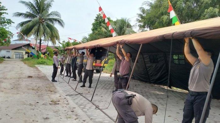 Polisi Bangun Tenda di Halaman Kantor KPU dan Bawaslu Palangkaraya