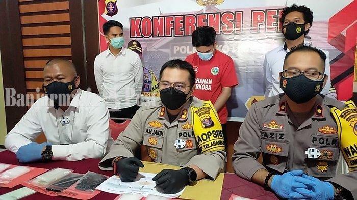 Pria Kotim Diringkus Polisi, Sembunyikan 709,58 Gram Sabu di Bawah Lantai Dapur