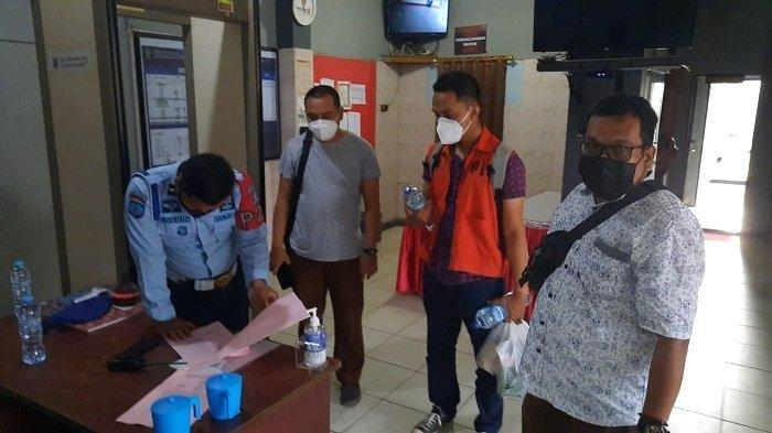 Buron, Tersangka Kasus Korupsi Kredit Fiktif Ditangkap Tim Kejari Banjarmasin di Tanahlaut