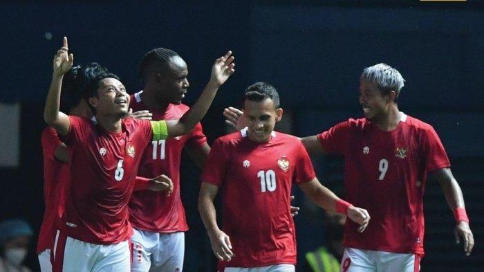 Selebrasi pemain Timnas Indonesia saat mengalahkan China Taipei (Taiwan) dengan skor tipis 2-1 di Play Off Kualifikasi Piala Asia 2023 di Chang Arena, Thailand, Kamis (7/10/2021) malam.
