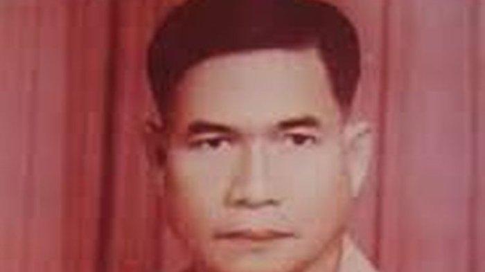 Mendiang Tjilik Riwut, pahlawan nasional sekaligus gubernur pertama Kalimantan Tengah. Hingga kini peninggalan utama Tjilik Riwut yang dirasakan banyak orang adalah Jalan Tjilik Riwut yang kerap juga disebut Jalan Rusia.