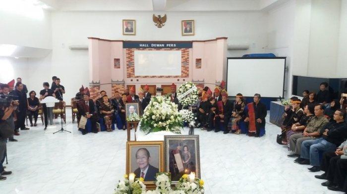 Pelepasan dan Penghormatan Terakhir Alm Sabam Leo Batubara di Dewan Pers
