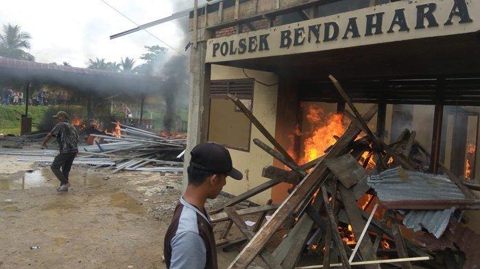 Massa Ngamuk Dengar Isu Napi Tewas Setelah Ditangkap, Mapolsek Bendahara di Aceh Tamiang Dibakar