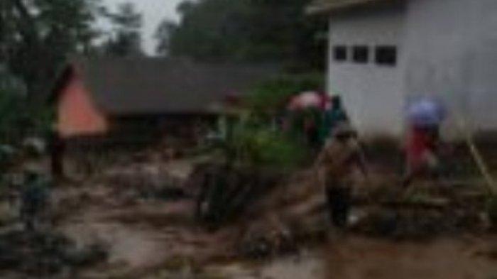 Banjir Bandang Terjang Permukiman, Tiga Tewas Dua Hilang
