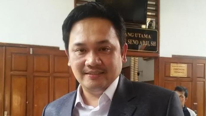 Posting Pilih Jokowi Masuk Surga Gak Pilih Masuk Neraka, Farhat Abbas Dapat Teguran TKN