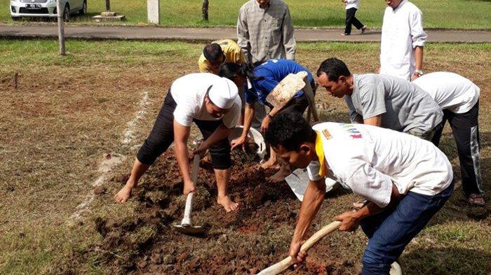 Wapres Pimpin Upacara Pemakaman KH Hasyim Muzadi