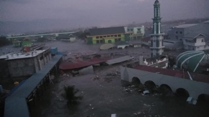 Banyak Rumah Hanyut, Ratusan Warga Hilang Akibat Gempa Bumi Donggala Palu