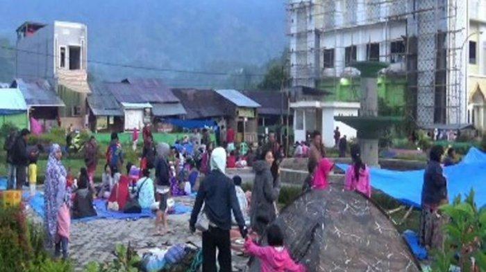 Mamasa Sulbar Diguncang Gempa 5,5 SR, Warga Padati Taman Kota dan Lapangan Bola