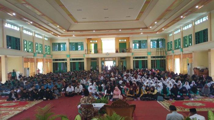 VIDEO: Syahdu, Muammar ZA Gelar Haflah Tilawatil Alquran di IAIN Palangkaraya