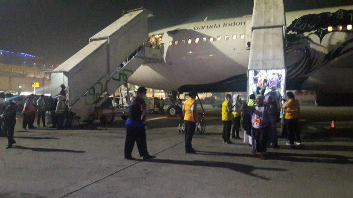 Giliran Jamaah Haji Keloter 15 Asal Kalteng Mendarat, 11 Orang Naik Kursi Roda