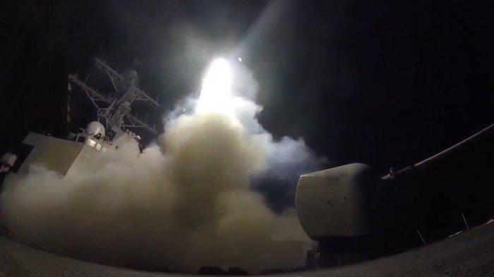 VIDEO: Tentara Amerika Cs Bombardir Suriah, AS dan Rusia di Ambang Perang Terbuka