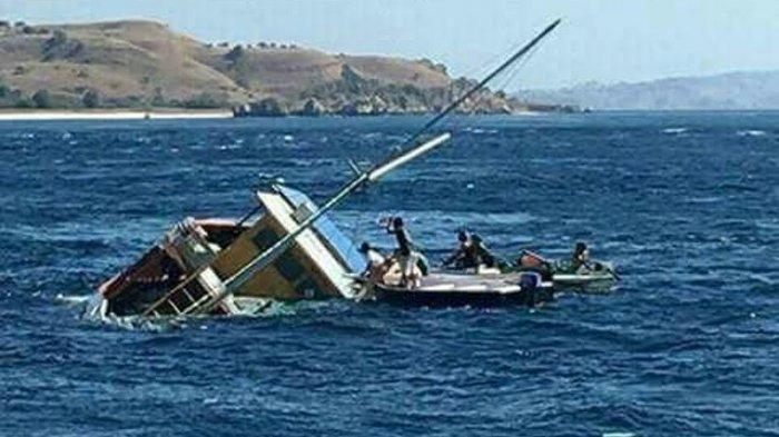 Kapal Bawa Sembilan Turis Asal Australia Tenggelam di Nias