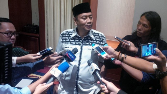 Ditenggat 7 X 24 Jam, Kapitra Ampera Desak Amien Rais Minta Maaf pada Kapolri Tito Karnavian