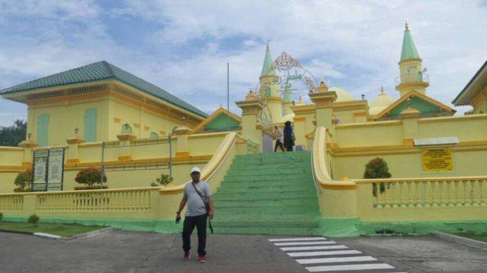 Berdiri Sejak 1832, Masjid Ini Konon Dibangun dengan Bahan Putih Telur